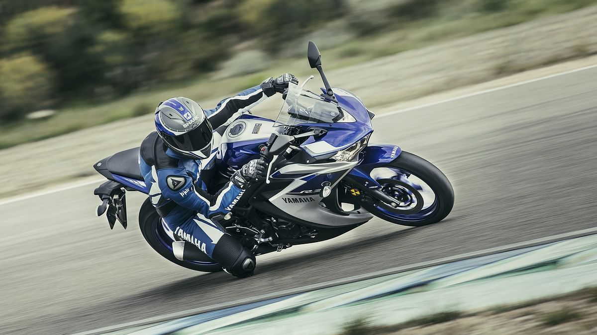 "(Courtesy: <a href=""http://www.yamaha-motor.eu/eu/products/motorcycles/supersport/yzf-r3.aspx#"">Yamaha Motors</a>)"