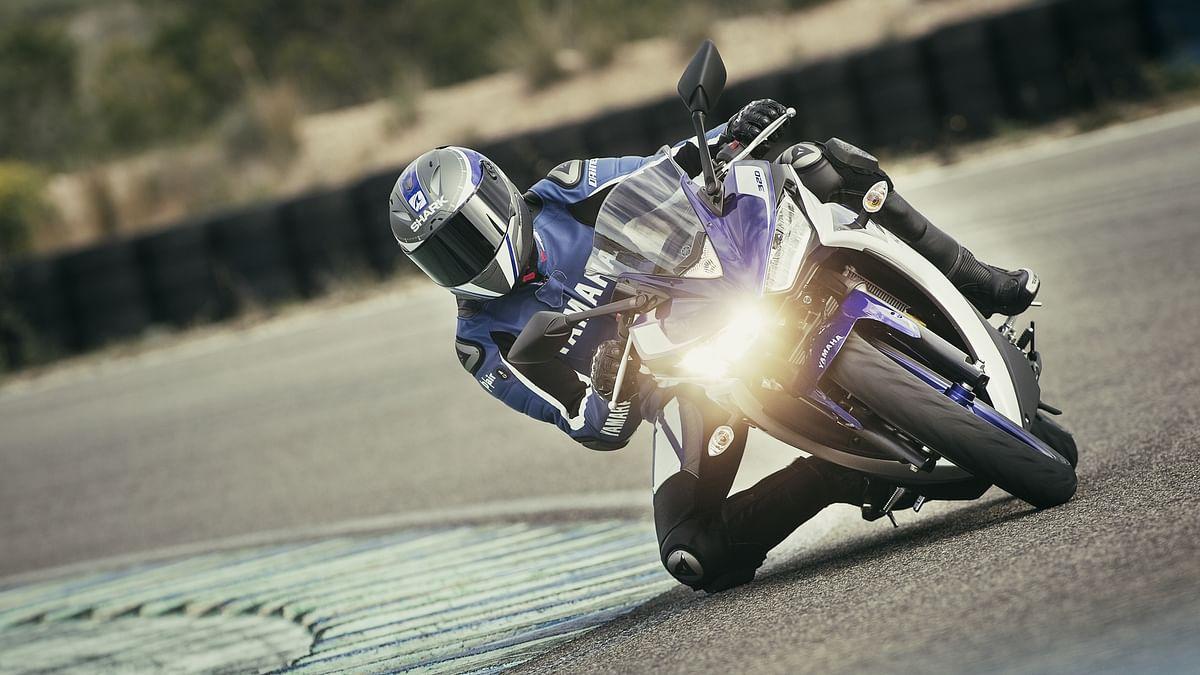 "YZF-R3 (Courtesy: <a href=""http://www.yamaha-motor.eu/eu/products/motorcycles/supersport/yzf-r3.aspx#"">Yamaha Motors</a>)"