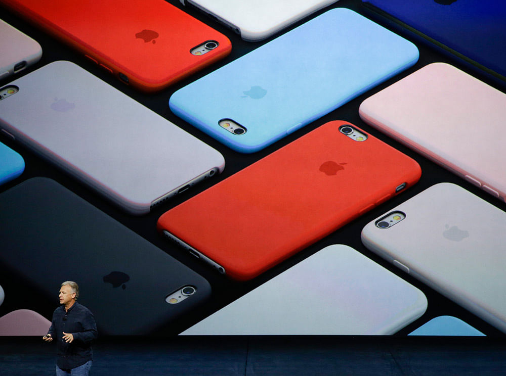 Phil Schiller, Apple's senior VP of worldwide marketing, talks about iPhone 6s and iPhone 6s Plus. (Photo: AP)