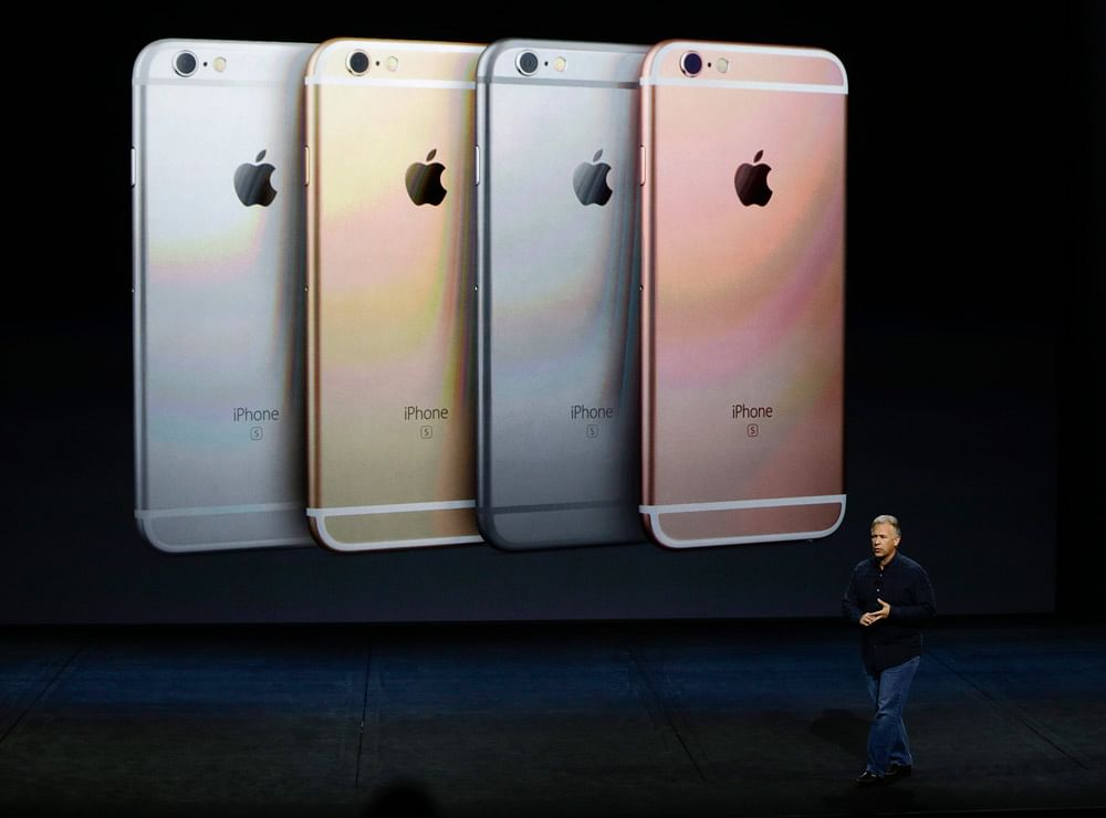 Phil Schiller talks about the features of the new iPhone 6s and iPhone 6s Plus. (Photo: AP)