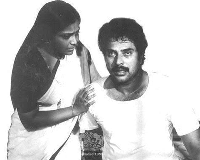 <i>Thaniyavarthanam </i>traces the life of Balan intensely played by Mammootty from an ordinary schoolteacher to a man forced to plough the depths of insanity by his family and a merciless society.