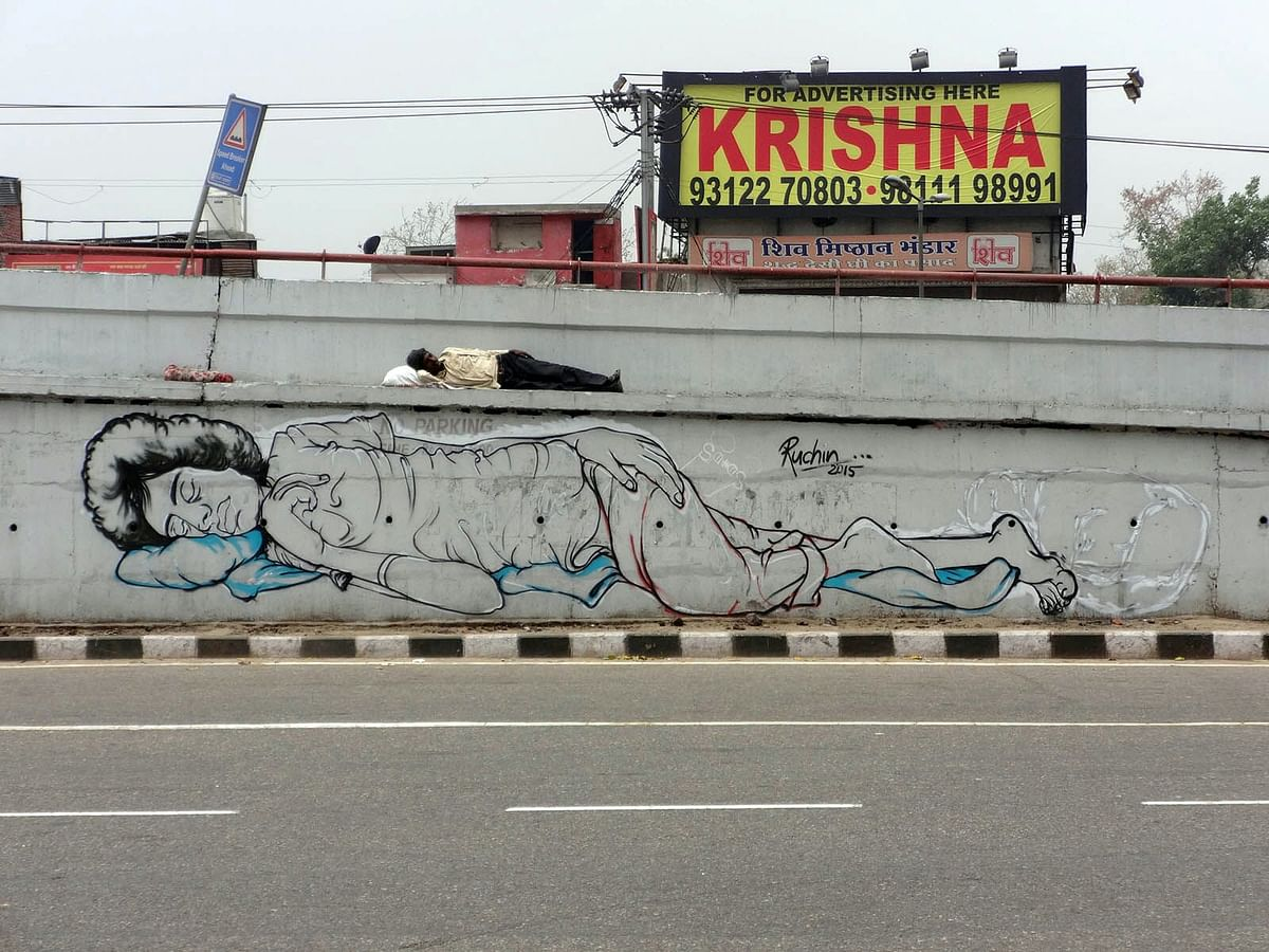 Ruchin's mural at the Kashmere Gate flyover in Delhi, where the homeless spend their nights. (Photo: Ruchin Soni)