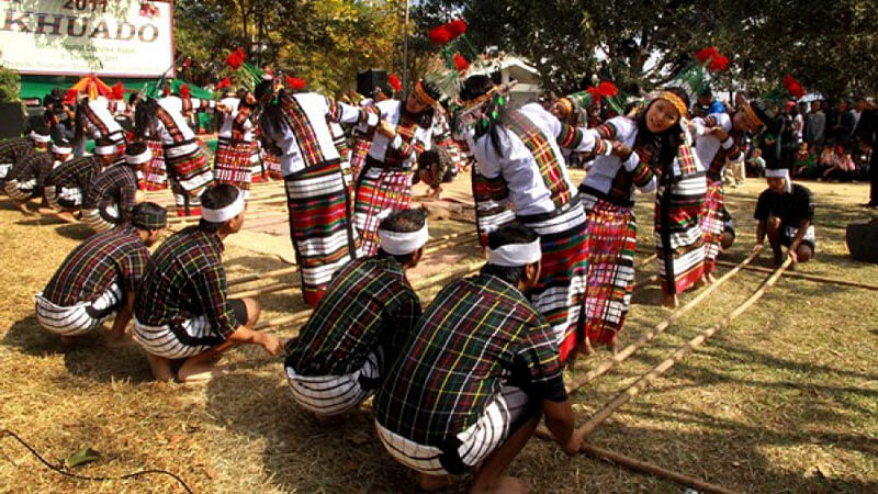 "Mizo traditional bamboo dance. (Photo: <a href=""http://tourism.mizoram.gov.in/gallery/album/festival"">Mizoram Tourism</a>)"