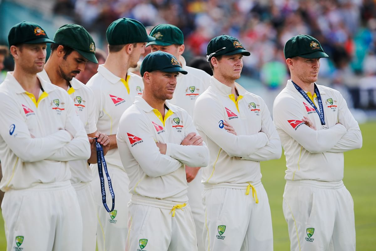 A dejected Australian team after losing the Ashes 3-2.(Photo: Reuters)