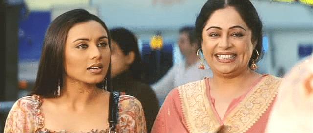 Kirron Kher and Rani Mukerji in <i>Hum Tum</i>