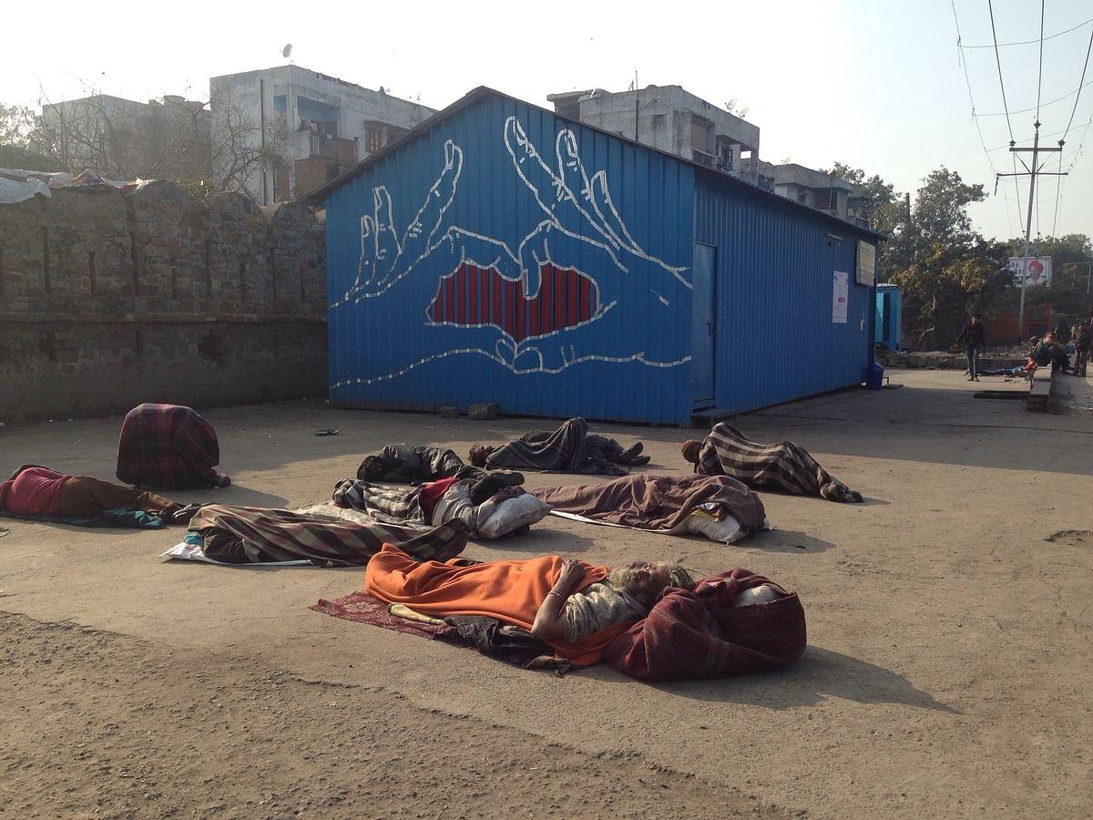 Ashwani's mural outside north Delhi's homeless shelter. (Photo: Ashwani)