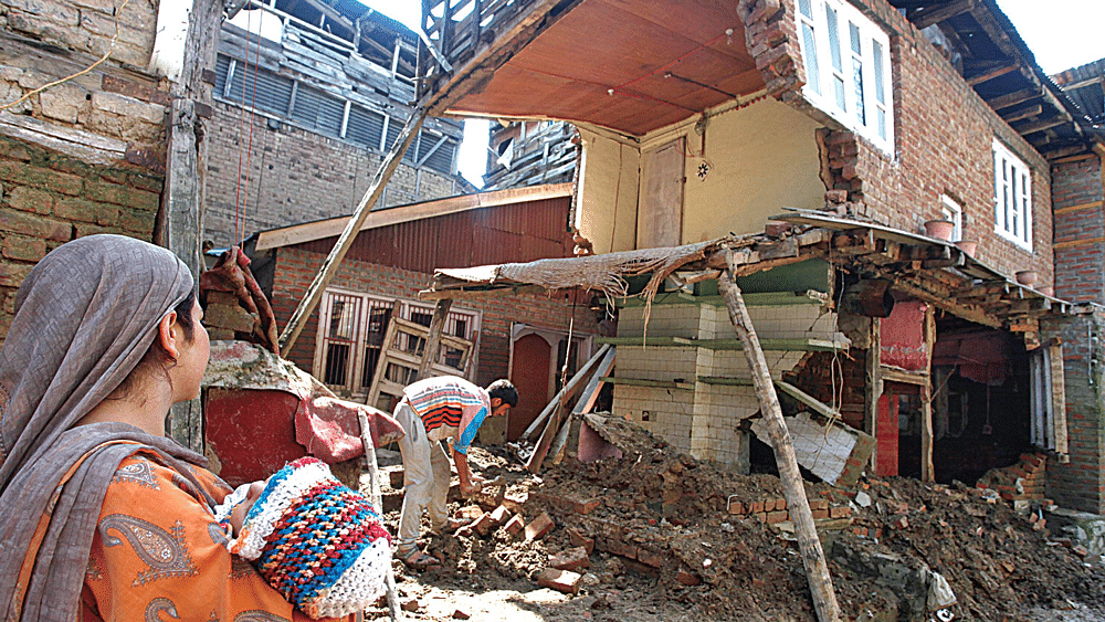 Ghosts of Last Year's Flood Continue to Haunt the Residents of J&K