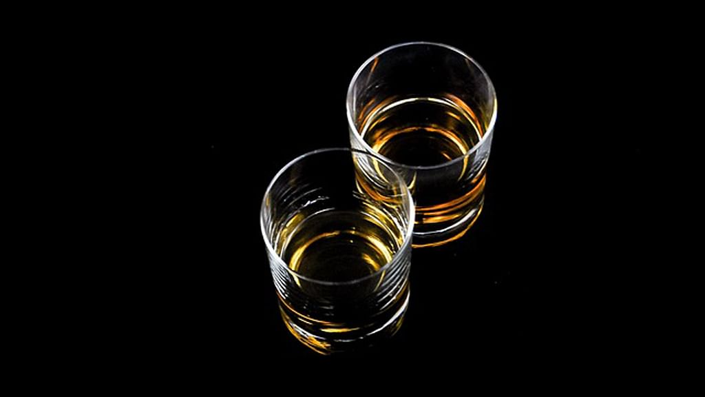 Tamil Nadu government says the policy of prohibition of alcohol is impractical. (Photo courtesy: The News Minute)