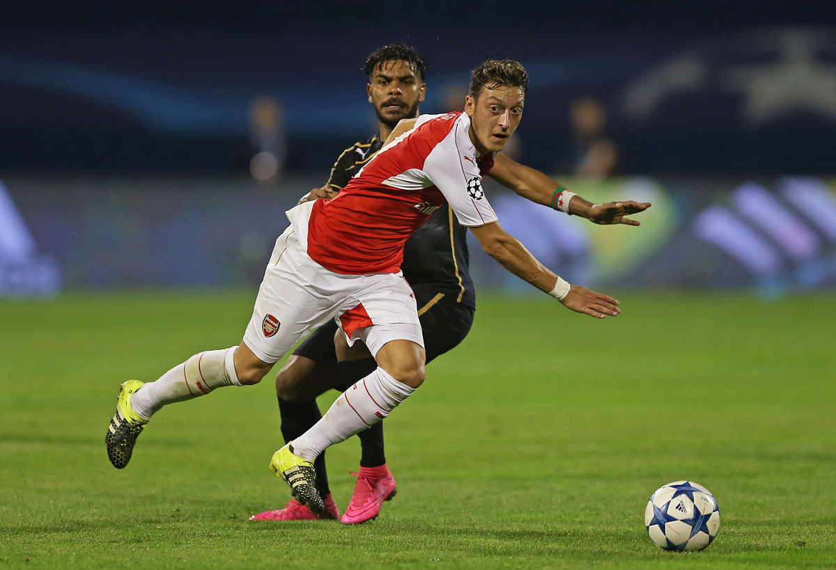 Arsenal'sMesut Ozil in action against Dinamo in the Champions League. (Photo: Reuters)