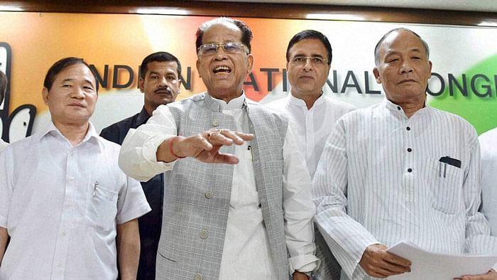 Tarun Gogoi (centre) at AICC headquarters in New Delhi, in August 2015. (Photo: PTI)