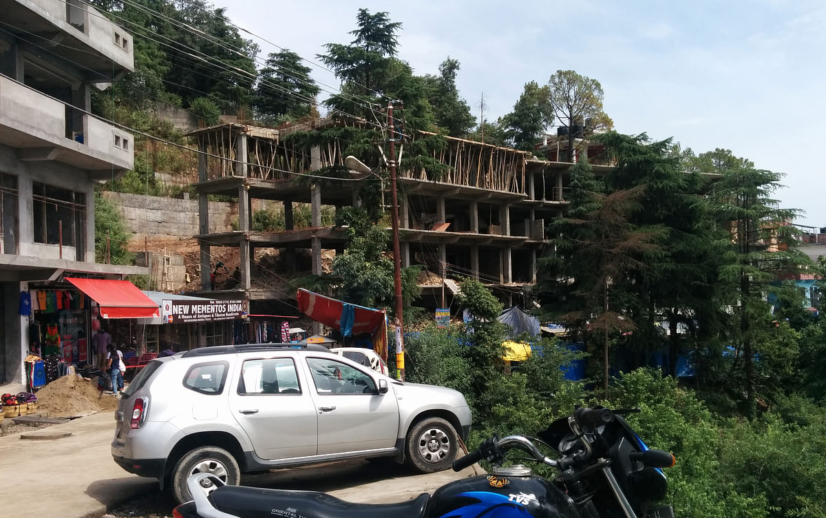 Construction in Mcleodganj as the local Indian and Tibetan refugee community expands. (Photo: Sumegha Gulati/The Quint)