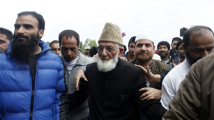 "Hurriyat leader Syed Ali Shah Geelani. (Photo Courtesy: <a href=""http://indianexpress.com/article/india/india-others/hurriyat-chairman-geelani-plans-to-attend-oic-meeting-in-new-york/?SocialMedia"">Twitter</a>)"