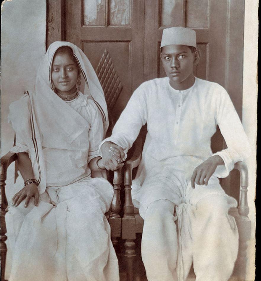 "Chameli Devi Jain and Phool Chand Jain, Delhi. Circa 1923. (Photo: <a href=""http://www.indianmemoryproject.com/46-2/"">Sreenivasan Jain, Journalist, New Delhi</a>)"