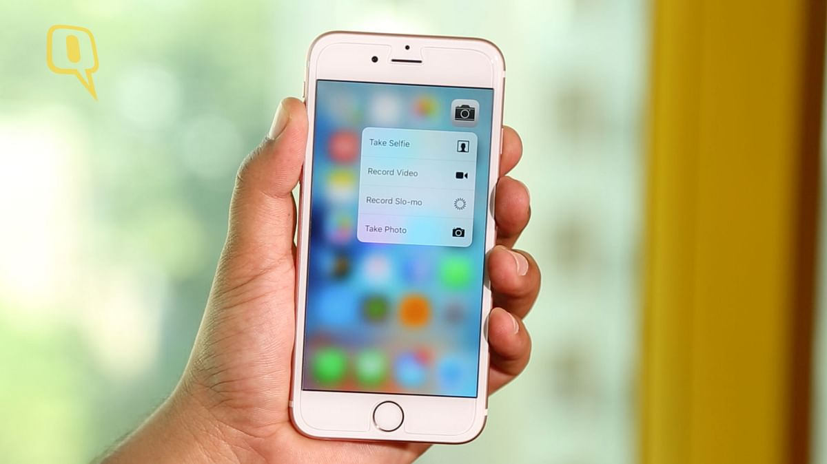 Apple's 3D Touch on iPhone 6s, 64GB, Rose Gold. (Photo: The Quint)