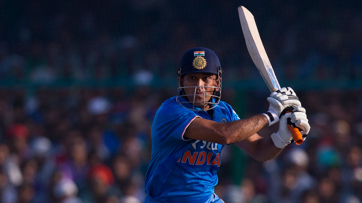 MS Dhoni scored an unbeaten 92 to take India to a respectable total of 247/9. (Photo: AP)