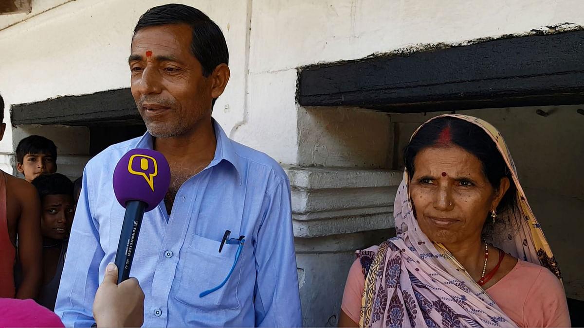 Jitendra Kumar with his wife. (Photo: <b>The Quint</b>)