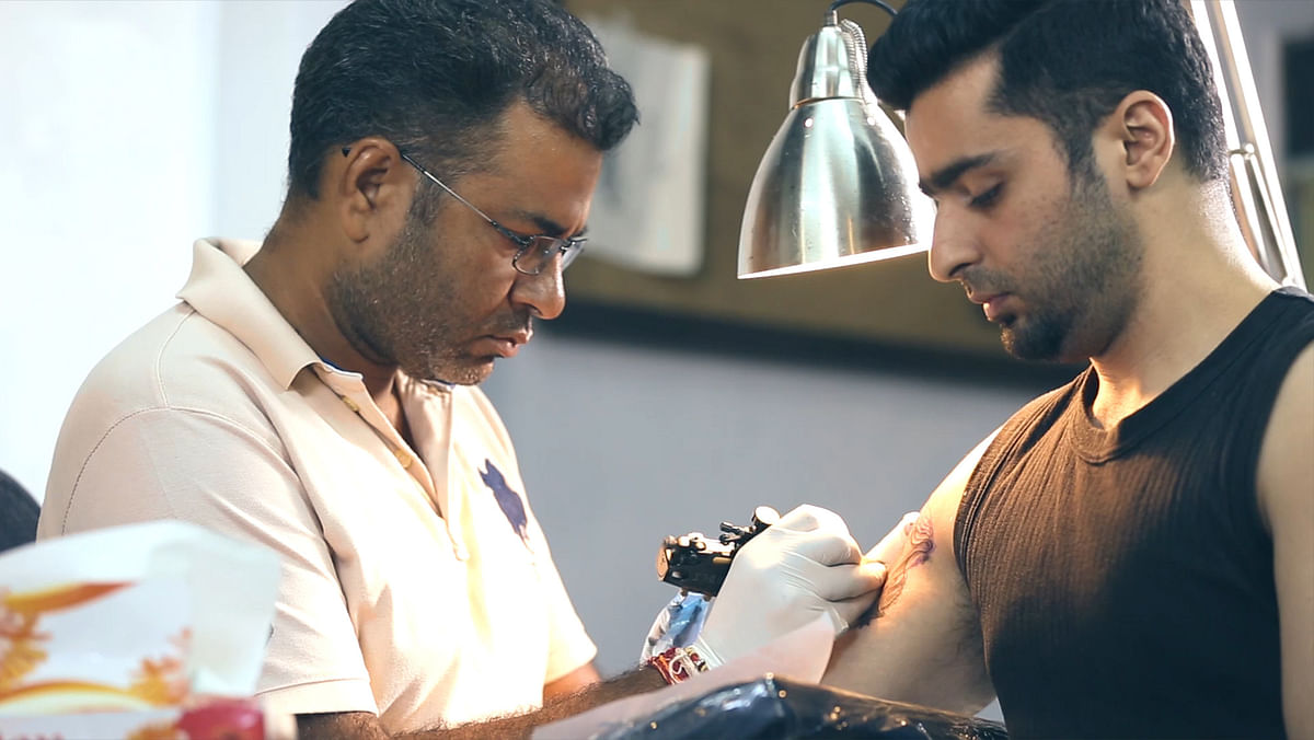 Manjeet Singh is listed in the top 100 global tattoo artists. (Photo: <b>The Quint</b>)