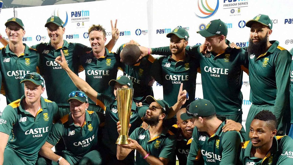 The South African team pose with the trophy after winning the series 3-2. (Photo: PTI)