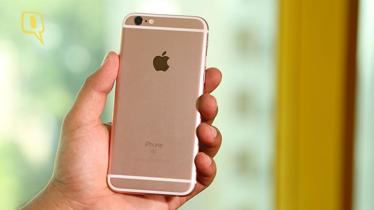 Apple iPhone 6s, 64GB, Rose Gold. (Photo: The Quint)