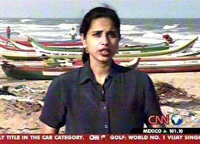 Suhasini Haidar reporting for CNN International during the 2004 tsunami. (Photo: Facebook/suhasinihaidar)