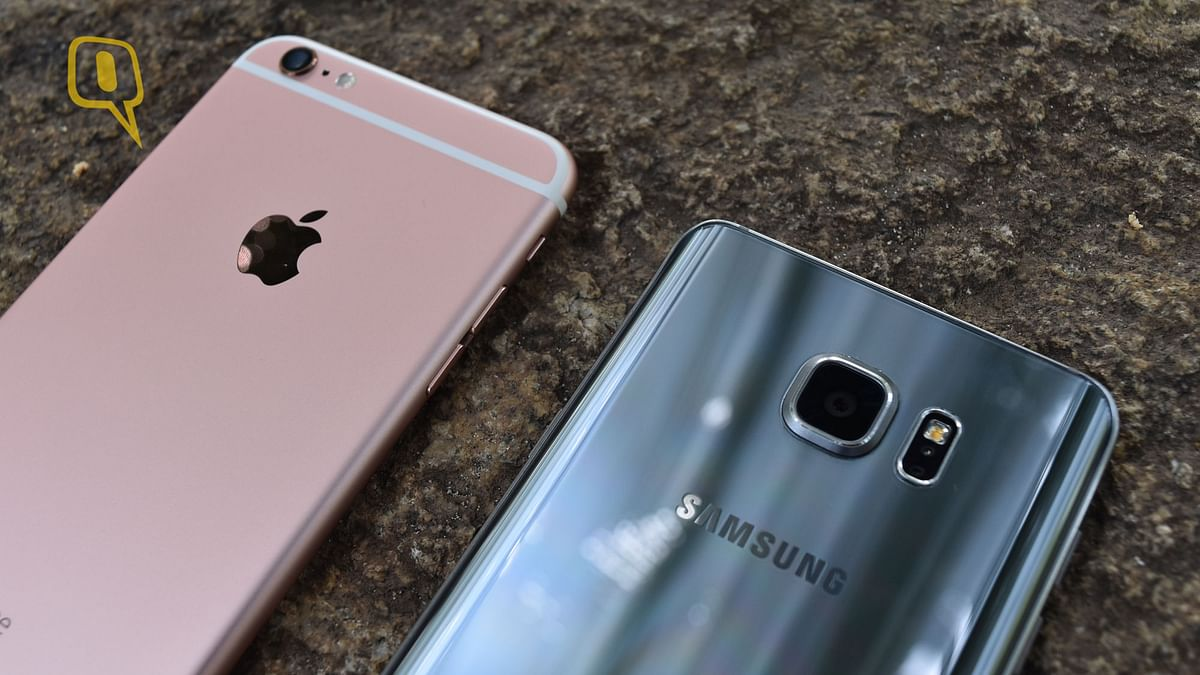 (Left) Apple iPhone 6s Plus and (right) Samsung Galaxy Note 5. (Photo: <b>The Quint</b>)