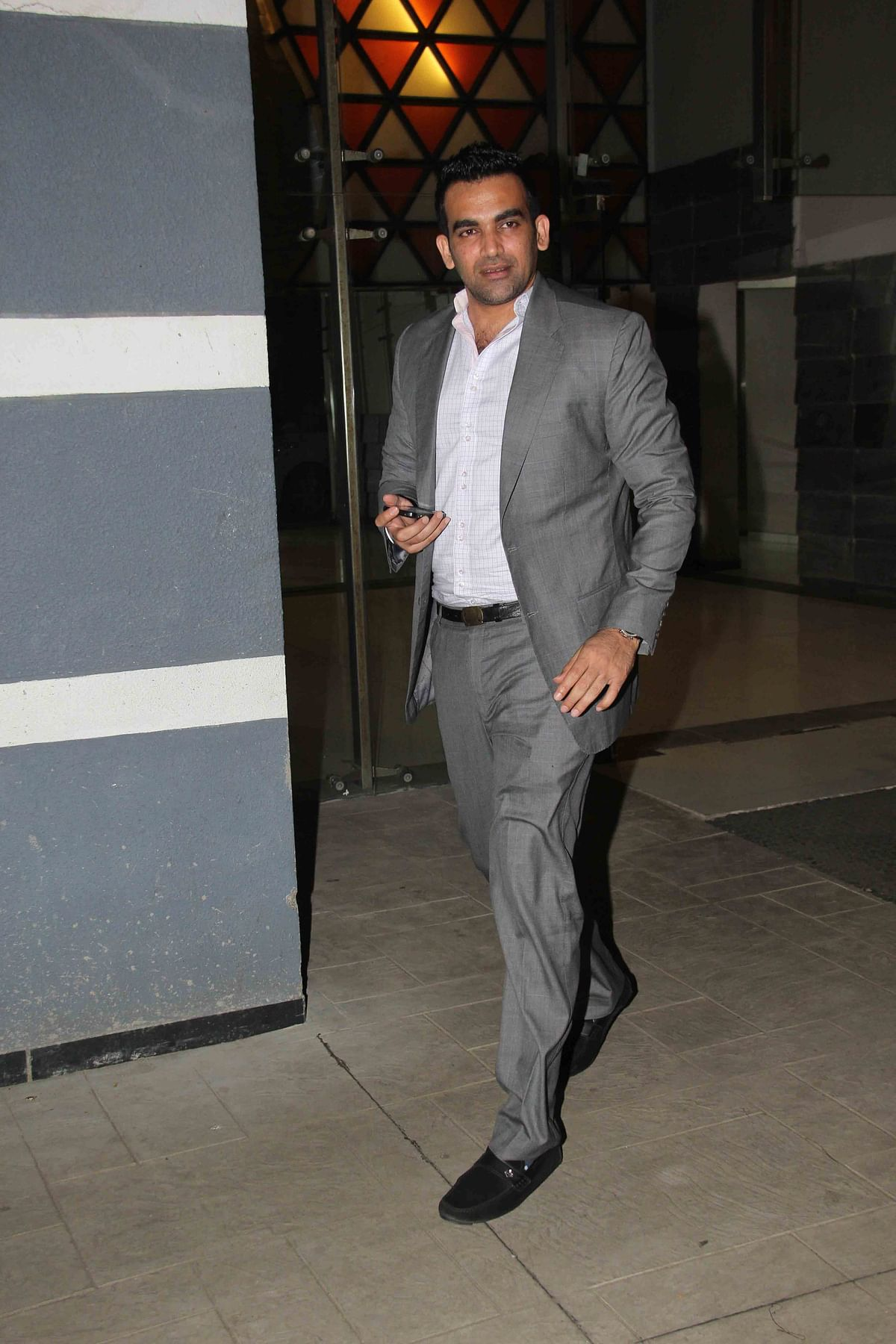 Zaheer Khan walks in to cameras at the party. (Photo: Yogen Shah)
