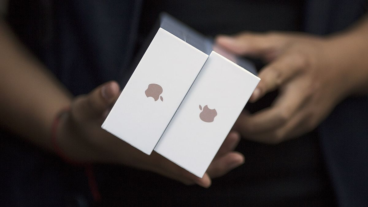 Apple Says Coronavirus Outbreak to Affect its Global Revenues