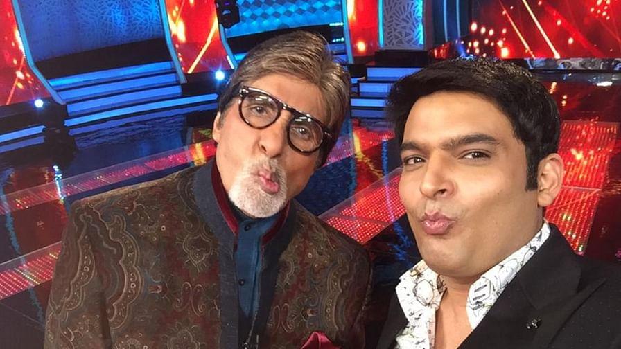 "Amitabh Bachchan and Kapil Sharma on the sets of Aaj Ki Raat Hai Zindagi (Photo: Twitter/<a href=""https://twitter.com/KapilSharmaK9/status/653055801620332544"">@KapilSharmaK9</a>)"