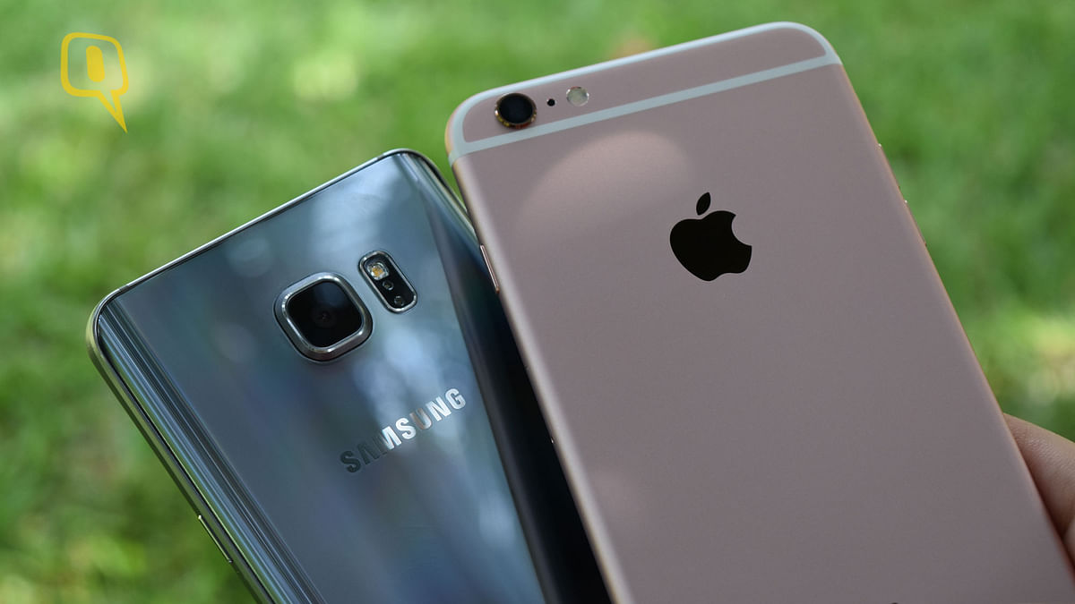 (Right) Apple iPhone 6s Plus and (left) Samsung Galaxy Note 5. (Photo: <b>The Quint</b>)