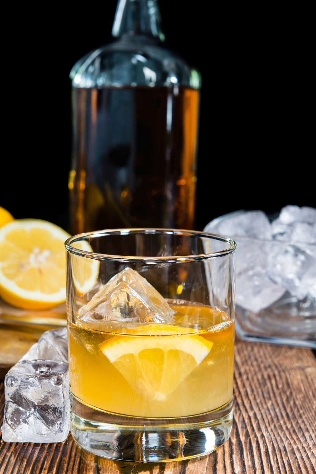 The whiskey sour will make you anything but sour. (Photo: iStockphoto)