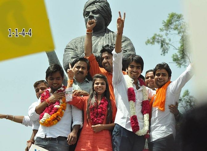 """All the three DUSU elected representatives (garlanded in the photo) were on ground to&nbsp;question our 'morality'. (Photo: Facebook/<a href=""""https://www.facebook.com/satender.choudhari"""">Satender Awana Abvp II</a>)"""