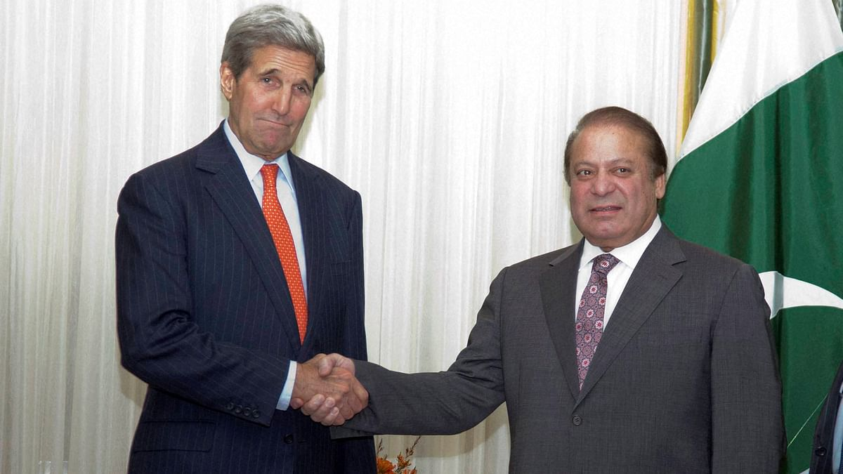 US Secretary of State John Kerry and Pakistani Prime Minister Nawaz Sharif seen here at a meeting in Washington in October 2015.(Photo: PTI)