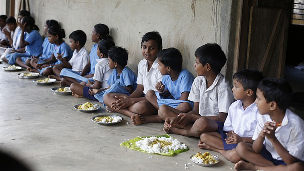 Telangana's decision removed the cap on mid-day meal. (Photo Courtesy: <i>The News Minute</i>)