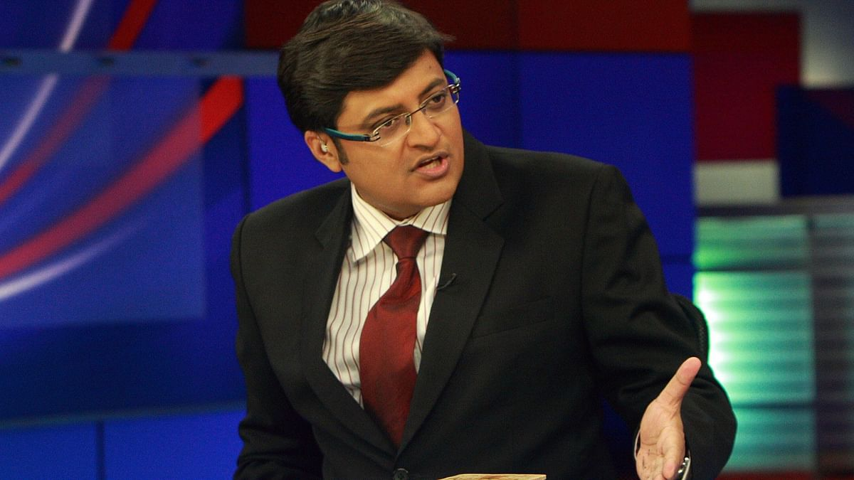 "An aggressive Arnab at the Times Now studio (Photo Courtesy: <a href=""http://www.youthkiawaaz.com/2016/03/arnab-goswami-is-good-for-indian-journalism/"">youthkiawaaz.com</a>)"