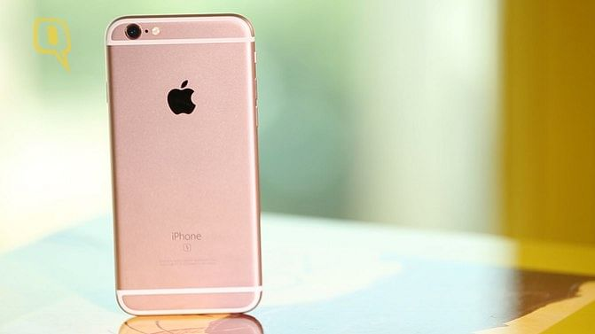 Apple iPhone 6s Rose Gold (Photo: The Quint)