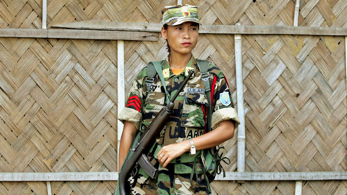 File picture of female Naga rebel (Photo: Reuters)