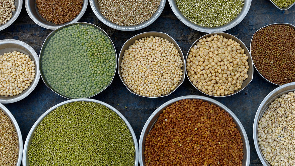Pulses being sold at a market in Mumbai. (Photo: iStockphoto)
