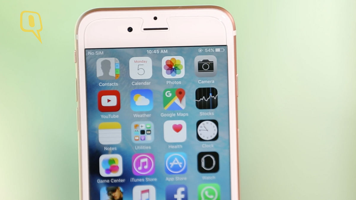 5-megapixel FaceTime HD camera on the iPhone 6s. (Photo: The Quint)