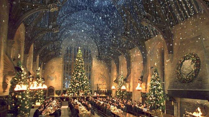 "Food, friendship, festivities- the magic of Harry Potter in a single photo (Photo: <a href=""https://www.facebook.com/HarryPotterUK/photos_stream"">Facebook/Harry Potter</a>)"