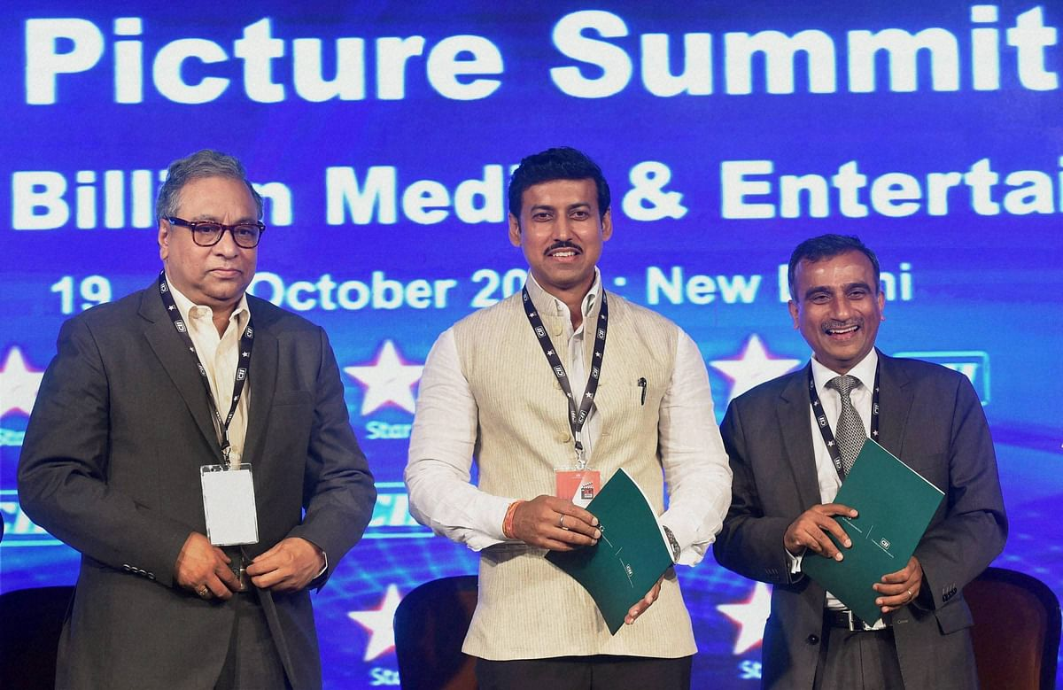 Rajyavardhan Rathore (centre) with CEO of Prasar Bharati, Jawhar Sircar (left) and Chairman of CII National Committee on Media and Entertainment, Sudhanshu Vats during the CII Big Picture Summit 2015 in New Delhi on Monday. (Photo: PTI)