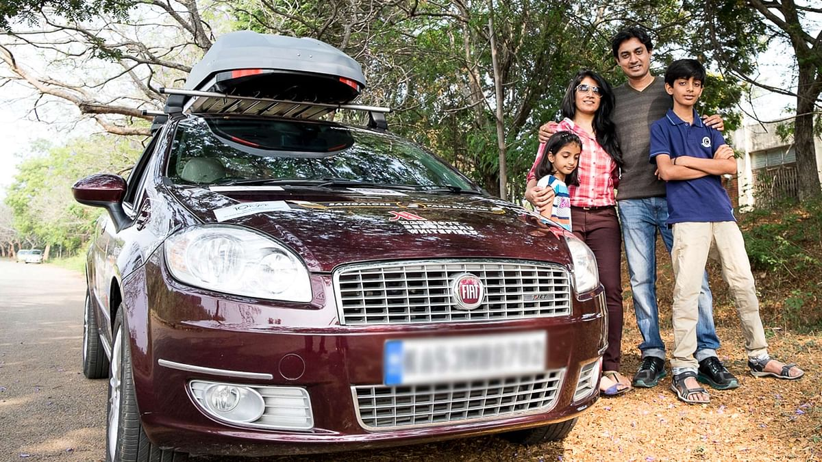 The Baid Family along with their Fiat Linea. (Photo: Fiat India)
