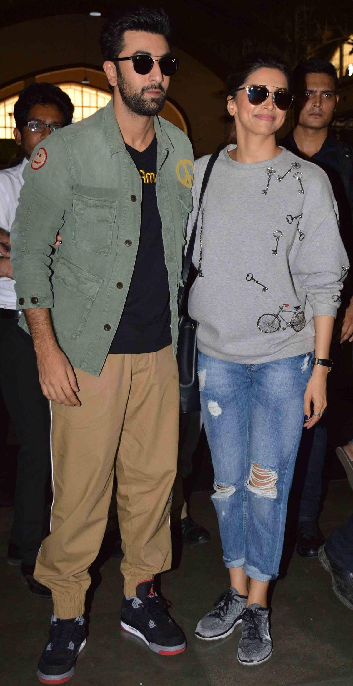 Ranbir Kapoor and Deepika Padukone at Mumbai Central to promote <i>Tamasha </i>(Photo: Yogen Shah)