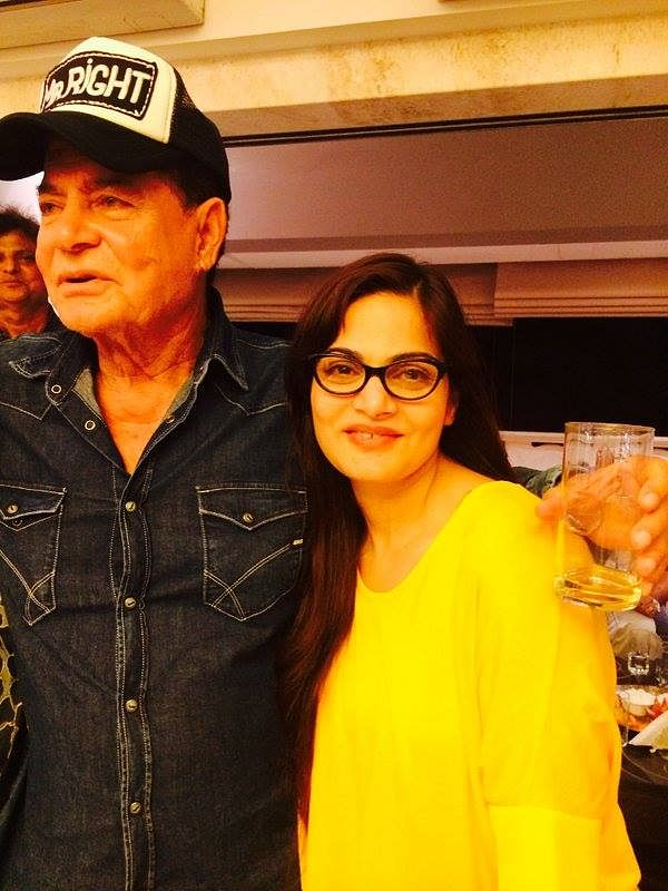 "Salim Khan poses with daughter Alvira Khan (Photo courtesy: <a href=""https://www.facebook.com/ShainaNC/posts/912798988816519"">Facebook/ShainaNC</a>)"