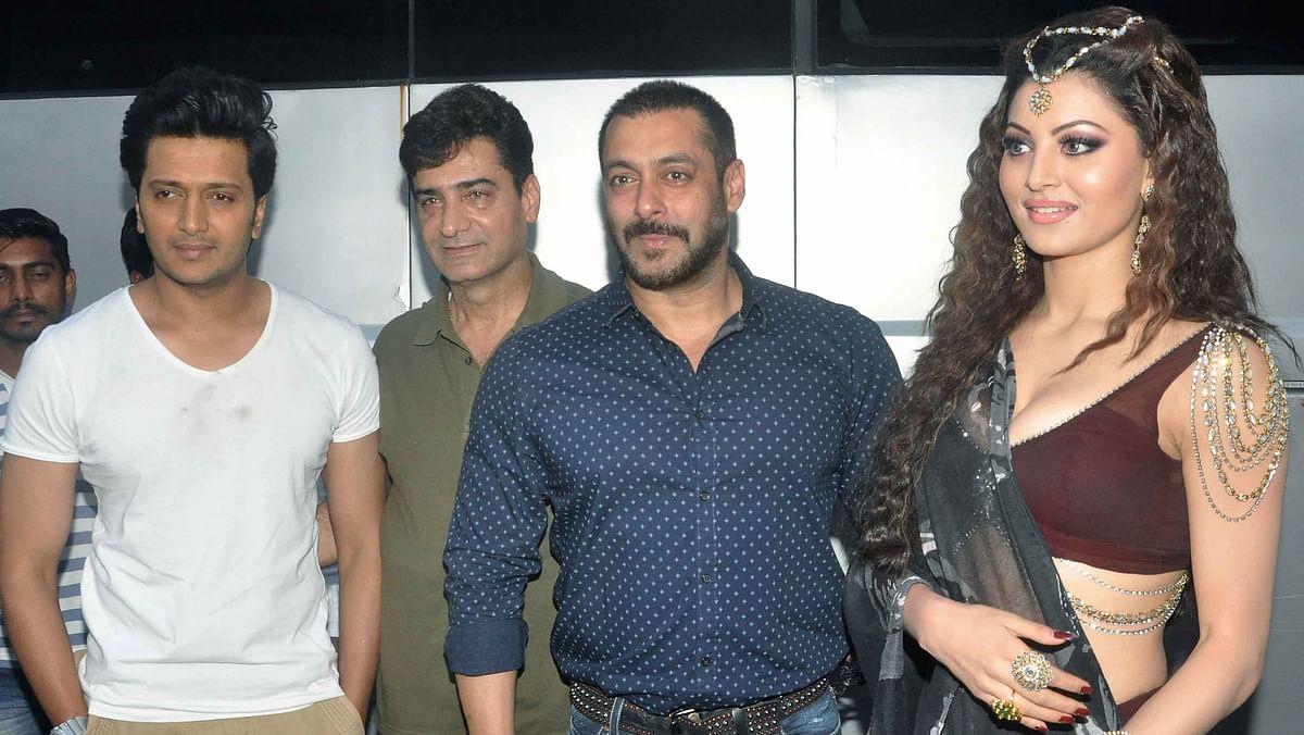 Riteish Deshmukh and Indra Kumar with Salman Khan (Photo: Yogen Shah)