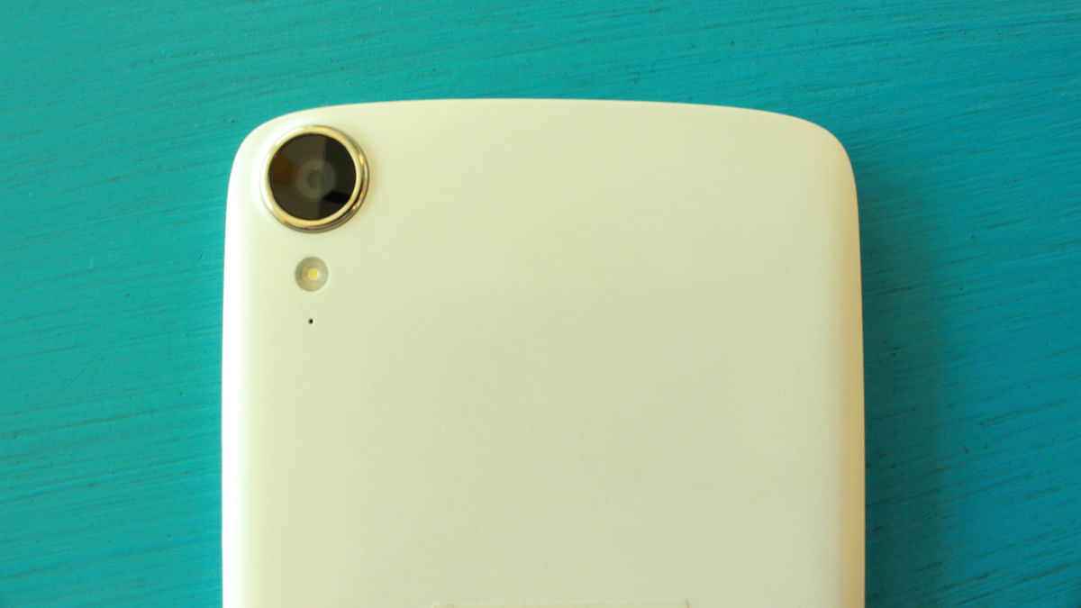 The HTC Desire 828 has a 13 Megapixel camera on the back. (Phot: <b>The Quint</b>)