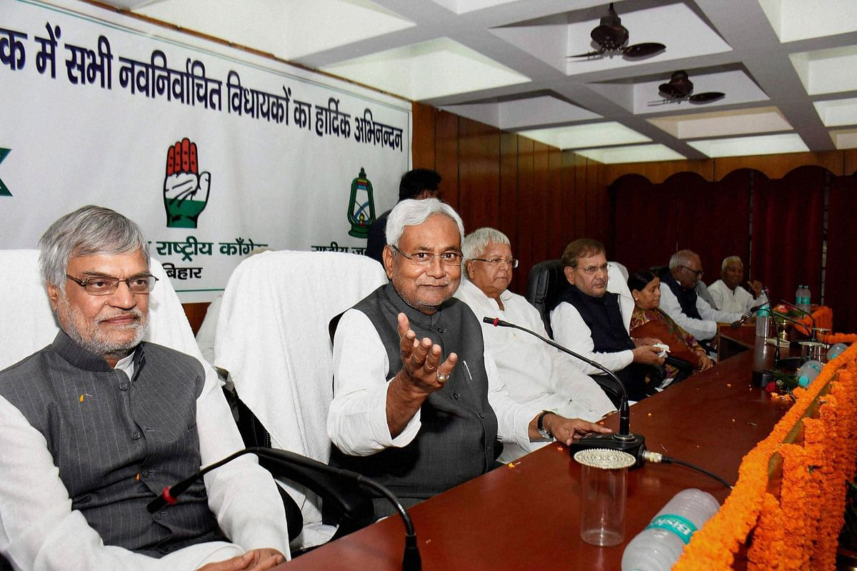Bihar chief minister Nitish Kumar with, Congress leader CP Joshi, RJD Chief Lalu Prasad and JD(U) Chief Sharad Yadav during a felicitation function for the newly elected legislators of grand alliance. (Photo: PTI)