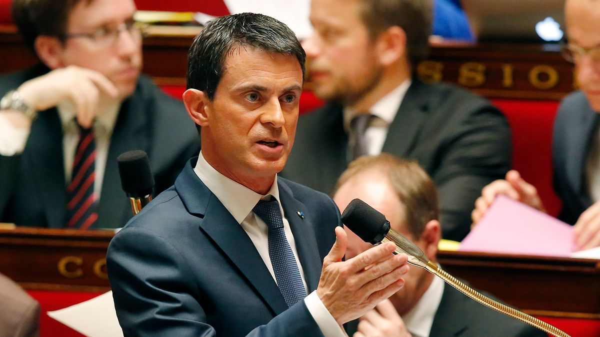 French Prime Minister Manuel Valls gestures as he speaks to the parliament at the national assembly in Paris, Thursday November 19, 2015. (Photo: AP)