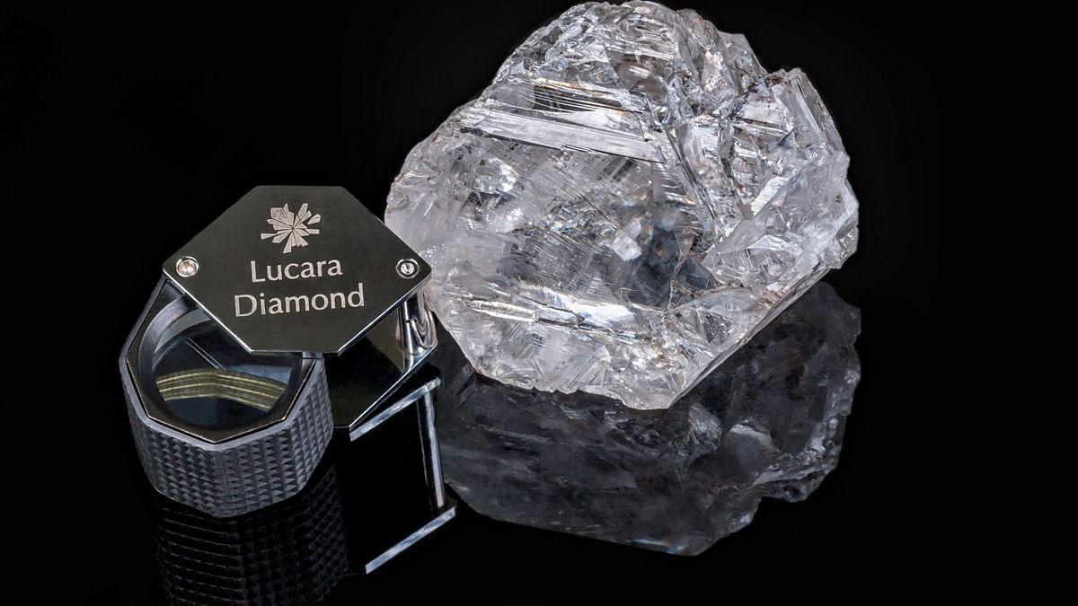 "1111 Carat Type IIa Diamond, the second largest diamond in the world. (Photo Courtesy: <a href=""http://www.lucaradiamond.com/i/photos/Karowe-gallery/1111-Carat-Photo-1-for-web.jpg"">Lucara Diamond official website</a>)"
