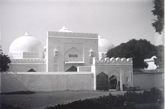 The Babri Masjid in early 1900. (Photo Courtesy: The British Library Board)