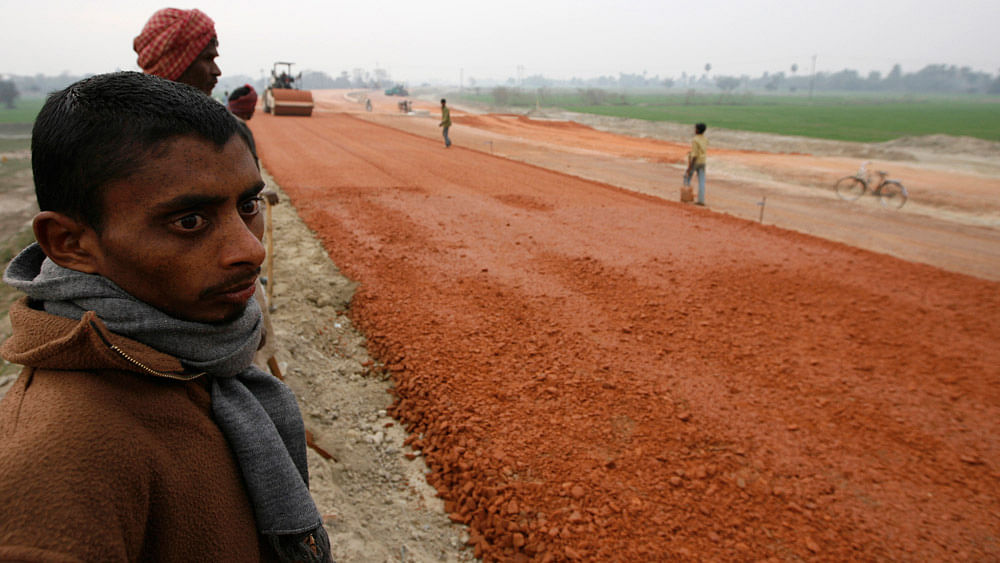 Labourers  at a road construction site in  Bihar. (File photo: Reuters)